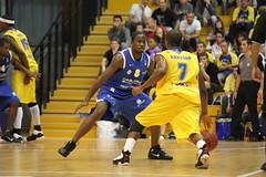 Carl Ona Embo (poitiersbasket86) Tags: basket carl match extrieur 86 ona embo poitiers dfense toulon proa hyres pb86 20102011