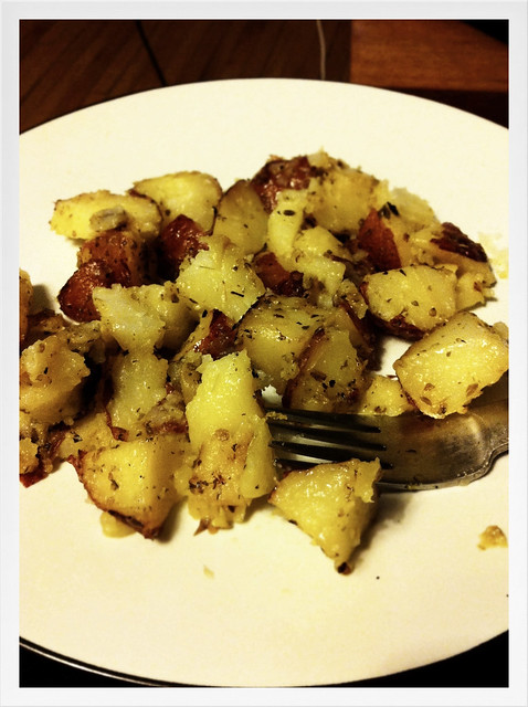 lemony, lemony roasted potatoes with garlic