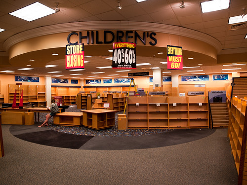 West Oaks Mall Borders Closing Children's Section
