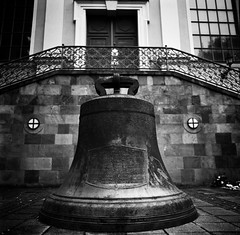 FP4 2 For whom the bell roll (Henrik J Kugelfest) Tags: bw 120 analog mediumformat square hasselblad 2009 ilfordfp4 201f carlzeiss5028fe
