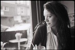 by the window in tribeca (gorbot.) Tags: blackandwhite bw cafe glasgow rangefinder 35mmfilm brunch tribeca f2 roberta leicam6 mmount epsonv700 ilfosol3 kodaltrix400 carlzeiss35mmbiogonf2zm