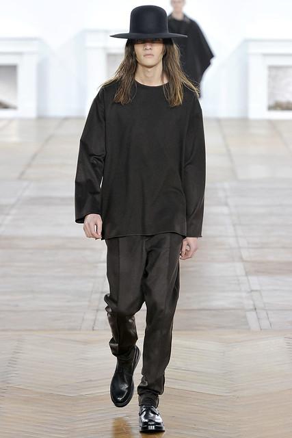 FW11_Paris_Dior Homme005_Marcel Castenmiller(VOGUEcom)