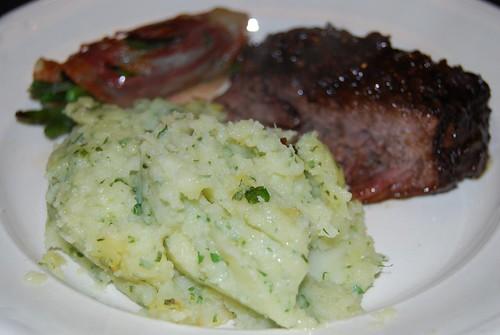 puree van pastinaak met aardappel en runderstoofvlees