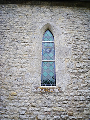 History meets history (DameBoudicca) Tags: france church window hospital ventana frankreich war roman fenster wounded wwii gothic iglesia kirche guerra stainedglass medieval krieg chiesa finestra worldwarii german american ww2 soldiers normandie romanesque guerre normandy francia glise fentre middleages gothique gotik kyrka medioevo secondworldwar frankrike worldwartwo gotico moyenge aidstation fnster mittelalter segundaguerramundial gtico robertwright romanik romanica 101stairbornedivision krig zweiterweltkrieg edadmedia secondeguerremondiale deuximeguerremondiale secondaguerramondiale medeltiden angovilleauplain kennethmoore rmanico andravrldskriget edwardallworth