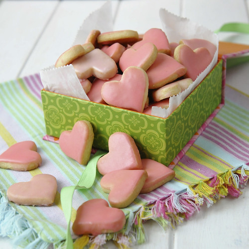 heart shortbread in a box