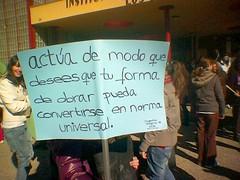 Imperativo categórico kantiano exigido por mis alumnos en una pancarta