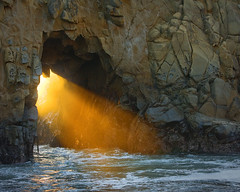 Gate to the Sea - Pfeiffer Beach (Clay Carey) Tags: light sunset beach keyhole pfeiffer pfeifferbeach natureoutpost
