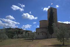 Sant'Antimo (HDR) (Federico Violini) Tags: italy italia tuscany siena toscana santantimo nikond80