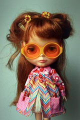 Lenore (Duchess Ravenwaves) Tags: pink red orange flower vintage glasses beads doll retro plastic 70s kenner blythe hop bang 1972 peg chunky smock sunnies enemal houseofpinku