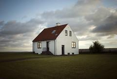A summer in Denmark (Alberto Sen (www.albertosen.es)) Tags: sunset house green landscape denmark casa nikon europa europe paisaje dinamarca sen anochecer d80 albertorg albertosen