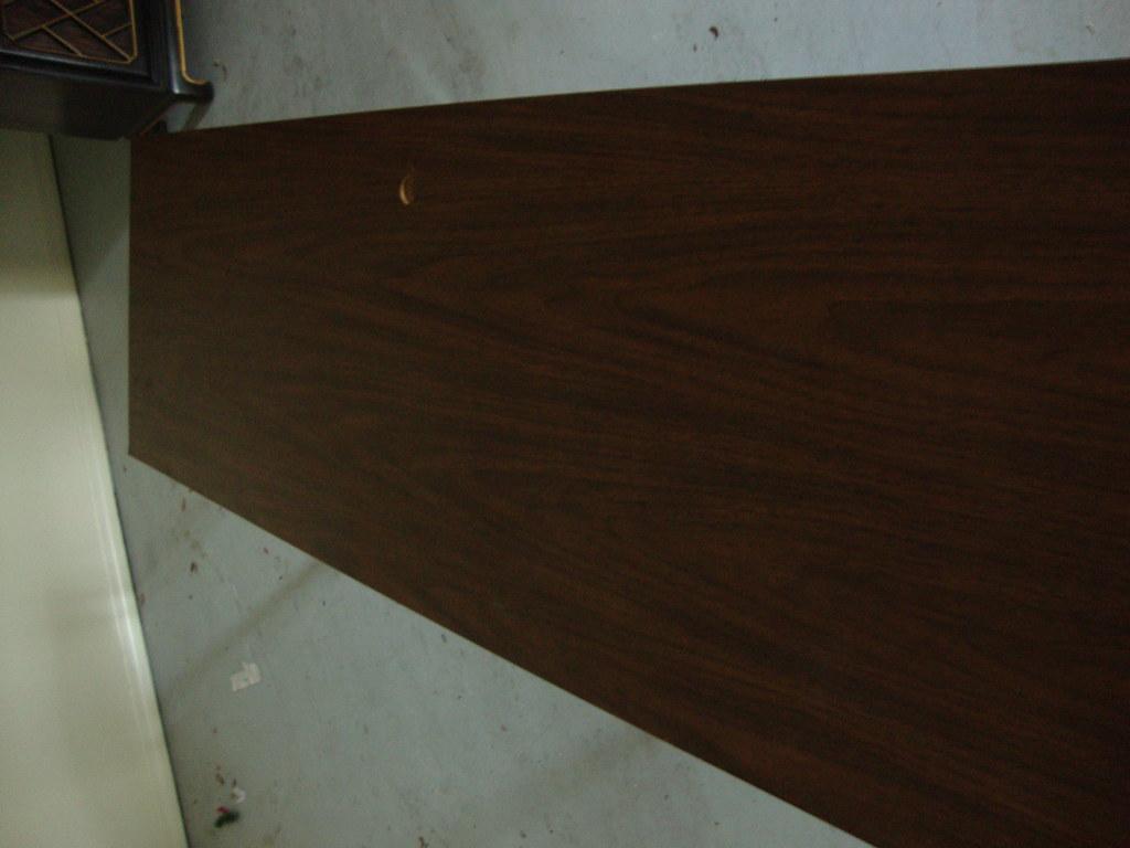 Sleek Modern Table/Desk