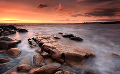 Brown's Point, Cullercoats (Alistair Bennett) Tags: seascape sunrise coast rocks whitleybay tynewear brownspoint canonefs1022 cullercoates gnd075he gnd045se