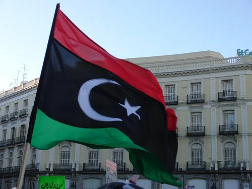 La bandera de la independencia, ahora de la revolución