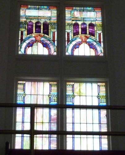 P1080049-2011-02-28-Pentecostal-Church-of-God-Howard-Street-Kirkwood-Atlanta-Balcony-Stained-Glass