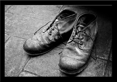 """Scarpe • <a style=""""font-size:0.8em;"""" href=""""http://www.flickr.com/photos/49106436@N00/5494950885/"""" target=""""_blank"""">View on Flickr</a>"""