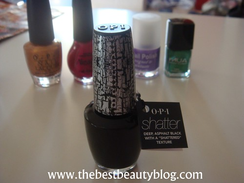 OPI Black Shatter, the best shade to apply