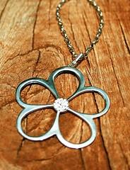 Colar Flr (germano.br) Tags: brilho strass joias bijuterias semijoias