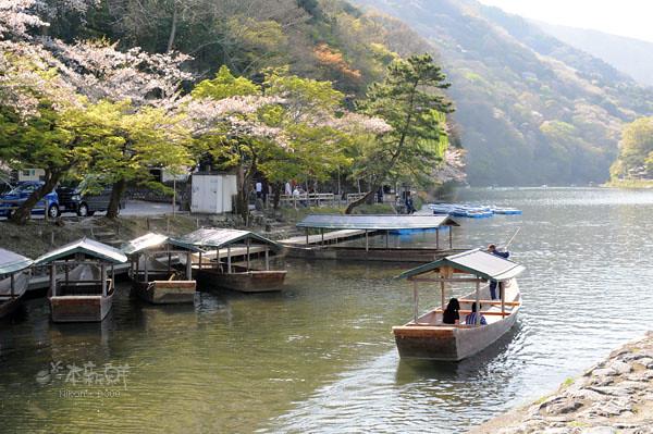 搭船遊桂川