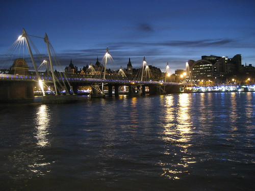 Hungerford Bridge and the river