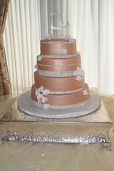 "Gold and sparkle wedding cake • <a style=""font-size:0.8em;"" href=""http://www.flickr.com/photos/60584691@N02/5525357976/"" target=""_blank"">View on Flickr</a>"
