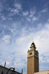 * (Gwenaël Piaser) Tags: sky 35mm canon eos march tunisia minaret mosque ciel nuages canoneos manara clowds tunisie nabeul moschea mosquée minareto minare 2011 35mmf14 manar 50d 35l canonef35mmf14lusm eos50d canoneos50d ef35mmf14lusm unlimitedphotos gwenaelpiaser