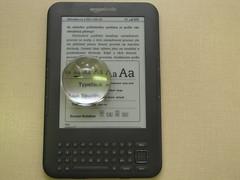 Kindle - ukázka práce s dialogem pro přizpůsobení písma pomocí asférické lupy