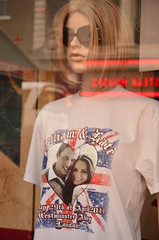 T-shirt of William and Kate's wedding