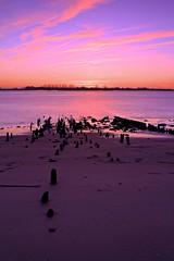 19.00 (D.Reichardt) Tags: sunset beach nature river germany landscape dawn europe border filter weser cokin notherngermany