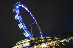 Singapore Flyer (FredrikN) Tags: light wheel night marina lights bay flyer nikon singapore asia ferris d90