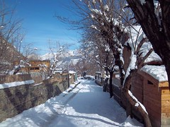 Bamborate in the winter, Chitral, Pakistan ( arshadthetrekker) Tags: pakistan mountains nature beauty skyline river landscape photography kodak january tunnel hindu kush ayun 2011 chitral broze wari m550 lawari bamborate daskorbala arshadthetrekker