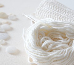 yummy organic cotton... (pilli pilli) Tags: white macro closeup diy handmade buttons cream craft yarn cotton inprogress organic etsy zakka crocheting organiccotton grannychic pillipilli