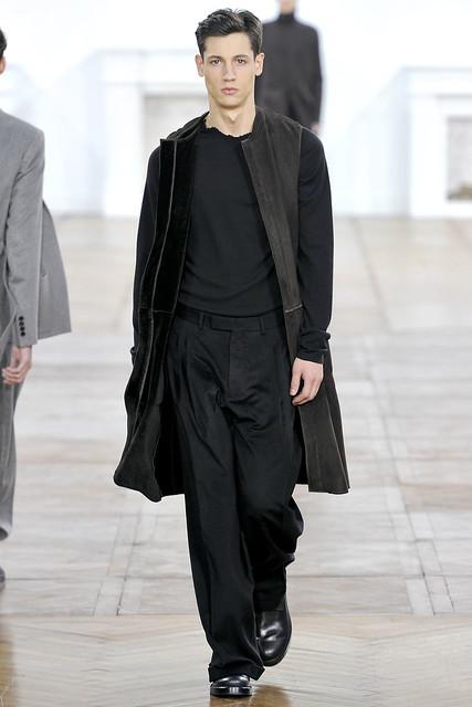 FW11_Paris_Dior Homme011_Nicolads Ripoll(VOGUEcom)