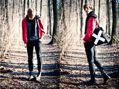 There will be Blood. (Meds,Drugs and Oropax.) Tags: red forest scarf skinny smith philipp cardigan docmartens lookbook cheapmonday thexx canoneos450d linstdter