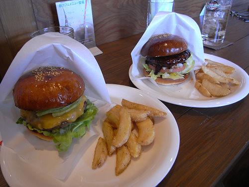 ステーキ屋の本気バーガー『CB burger&steak』@橿原市