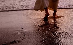 """""""Footprints in the sand"""", by Luciane Alves (WaterWideWeb.org) Tags: beach water sand footprints lucianealves"""