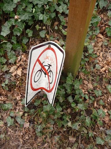 Anti-no bike sign sentiment
