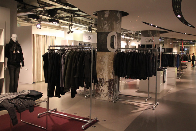 Paris Clothing Racks & Structures