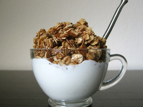 vanilla-almond granola with greek yogurt