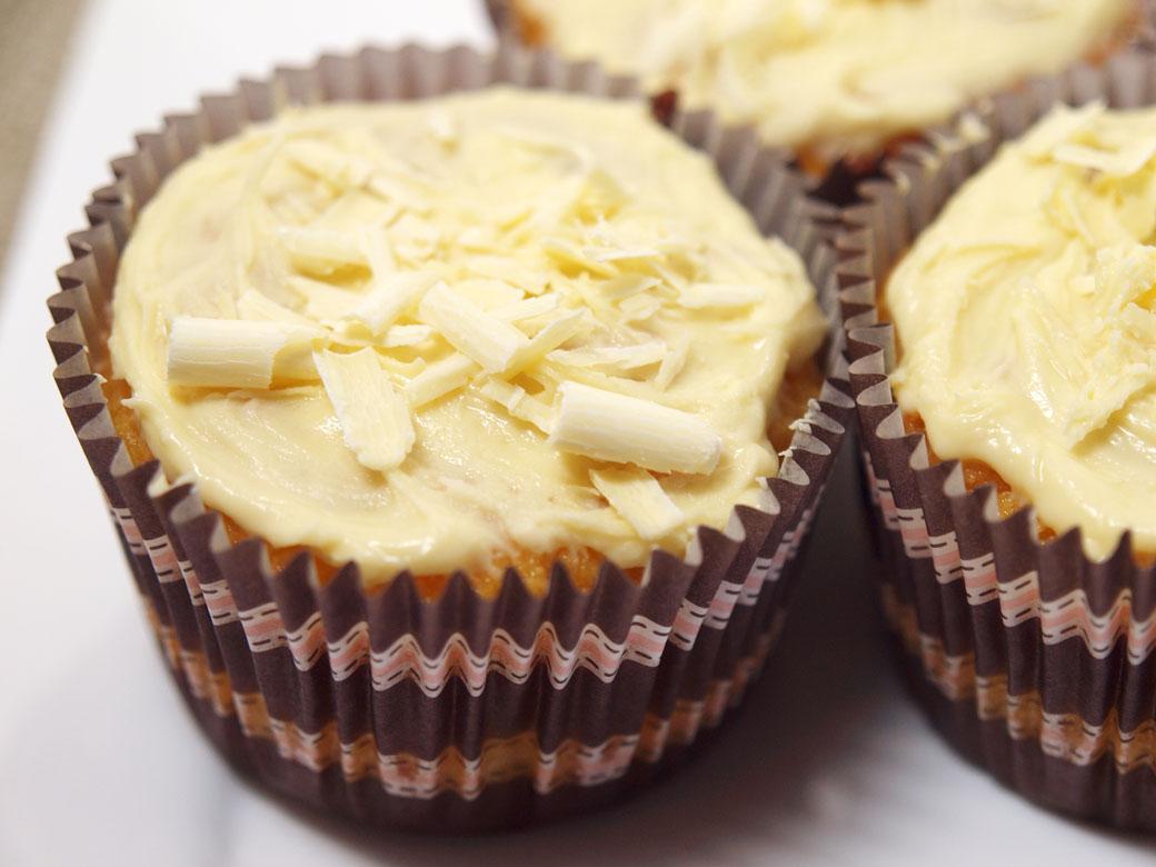Flourless orange cupcakes - 1