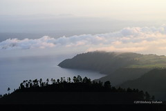 Hutaginjang -D20_0001 (Johnny Siahaan) Tags: sunset mountains misty clouds sunrise indonesia gunung batak toba laketoba sumatera huta danautoba sumaterautara tobalake matahariterbit tapanuliutara hutaginjang taput johnnysiahaan mataharipagi fotodanautoba fotohutaginjang