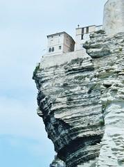 Maison avec vue !! ~~House with a view !!  (Bonifacio, Corse) (France-) Tags: europe corse maison falaise bonifacio worldtrekker