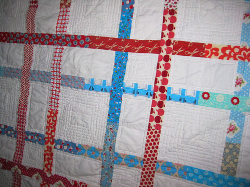 square dance quilt detail quilting