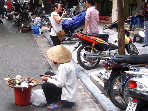 Street Vending Hanoi