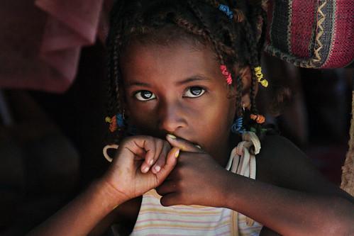 [フリー画像] 人物, 子供, 少女・女の子, マダガスカル人, 201103090700