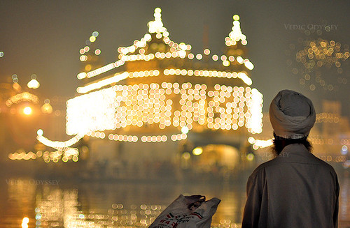 golden temple amritsar diwali. Diwali at the Golden Temple in