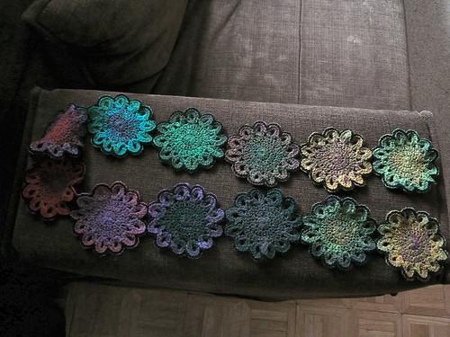 12-flower scarf