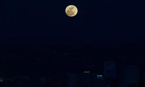 Luna llena sobre Coruña