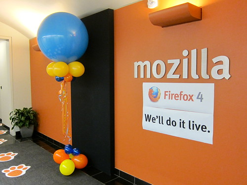 Firefox 4: We'll do it live.