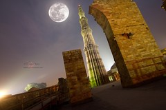 Qutab + Super Moon (Tarun Chopra) Tags: sky moon india colour history monument horizontal architecture night outdoors photography minaret nopeople unescoworldheritagesite fullmoon 7d column gurgaon tilt bharat newdelhi qutubminar qutabminar olddelhi mehrauli capitalcities traveldestinations hindustan beautyinnature placeofinterest internationallandmark canon1022mmlens hindusthan canon7d supermoon oldmonaments tarunchoprakeywordsbuiltstructure
