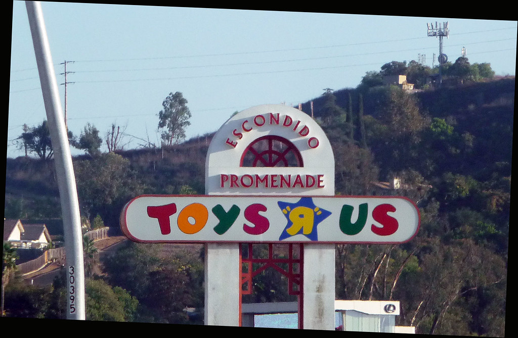 Toys R Us Sign : The world s best photos of sign and toysrus flickr hive mind